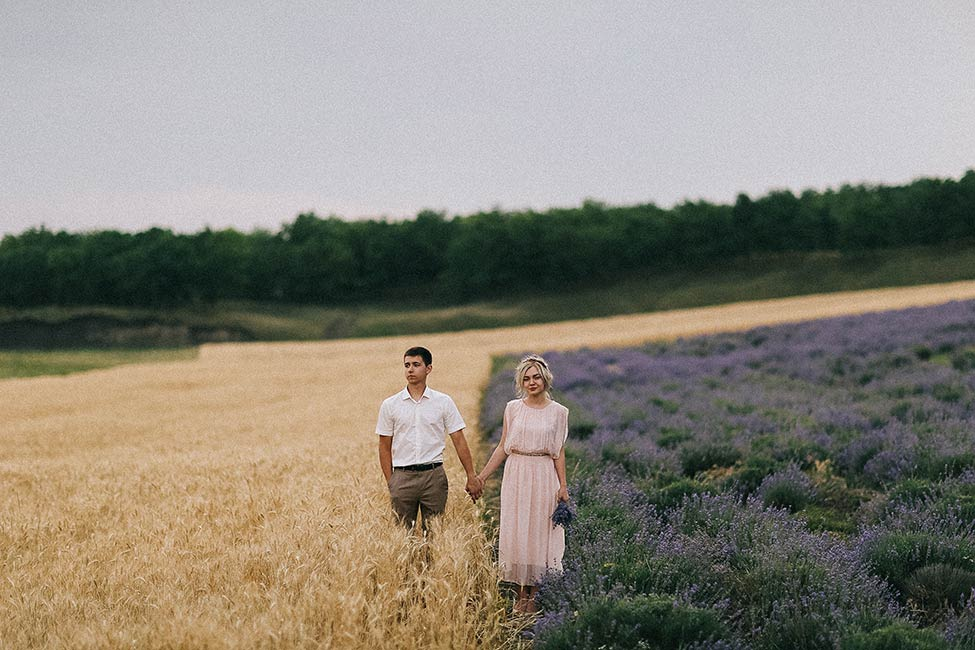 French wedding photographers serving Europe and the Americas using VSCO presets.